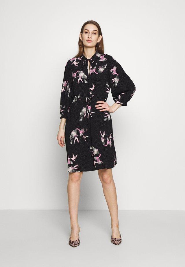SLFALLISON DAMINA SHORT - Sukienka letnia - black