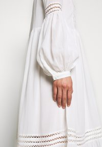 Selected Femme - SLFVALENTINA MIDI DRESS - Robe d'été - snow white - 5
