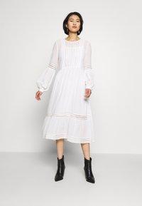 Selected Femme - SLFVALENTINA MIDI DRESS - Robe d'été - snow white - 0