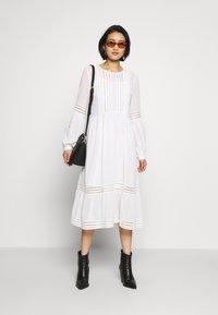 Selected Femme - SLFVALENTINA MIDI DRESS - Robe d'été - snow white - 1