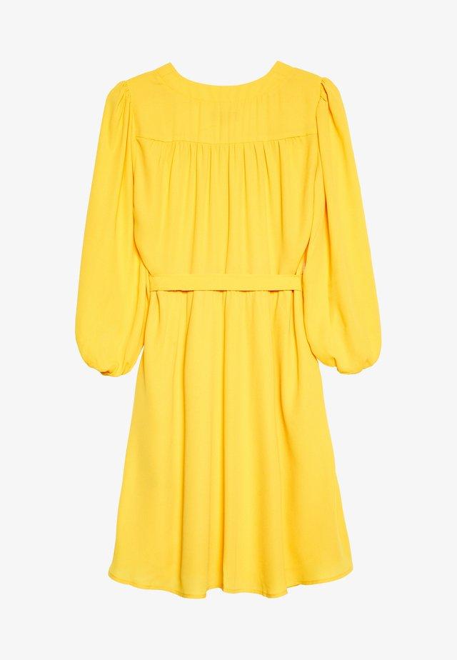 SLFZIX DRESS - Korte jurk - radiant yellow