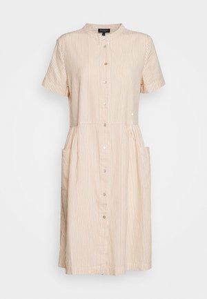 SLFROSE DRESS EX - Skjortekjole - birch/caramel