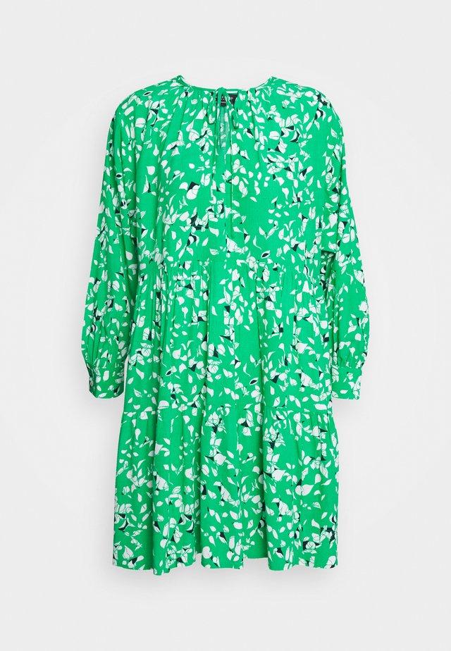SLFREBEKKA GRACY LS DRESS - Korte jurk - bright green