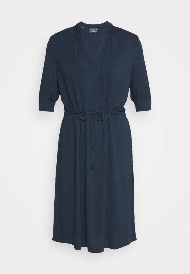 SLFMIE DAMINA DRESS - Jerseykleid - dark sapphire