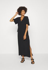 Selected Femme - SLFWYNONA-DAMINA ANKLE SLIT - Korte jurk - black - 1