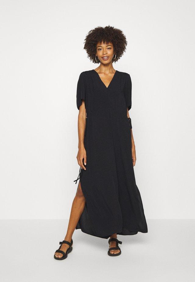 SLFWYNONA-DAMINA ANKLE SLIT - Vestido informal - black