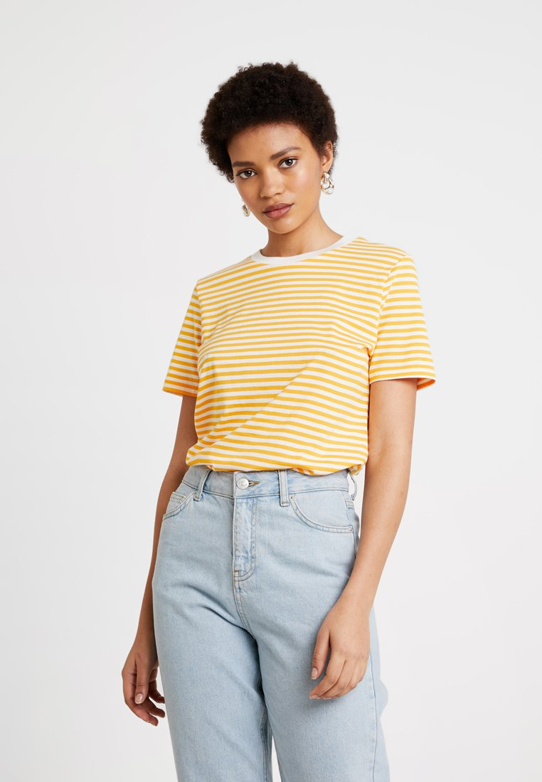 Selected Femme - SFMY PERFECT TEE BOX CUT - T-Shirt print - radiant yellow/snow white