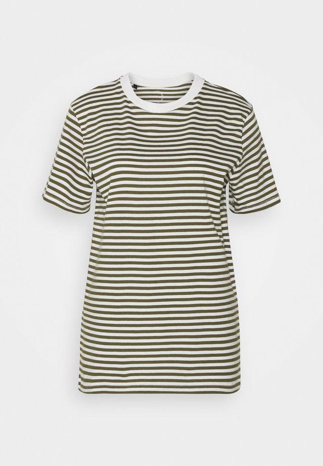 SLFMY PERFECT TEE BOX CUT - T-shirt basic - winter moss/snow white