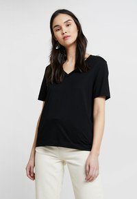 Selected Femme - SLFSTANDARD V-NECK TEE - Jednoduché triko - black - 0