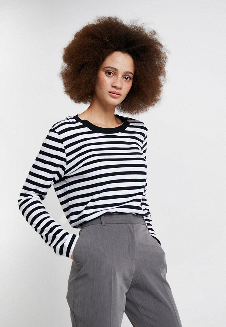 Selected Femme - SLFSTANDARD SEASONAL - Long sleeved top - black/bright white