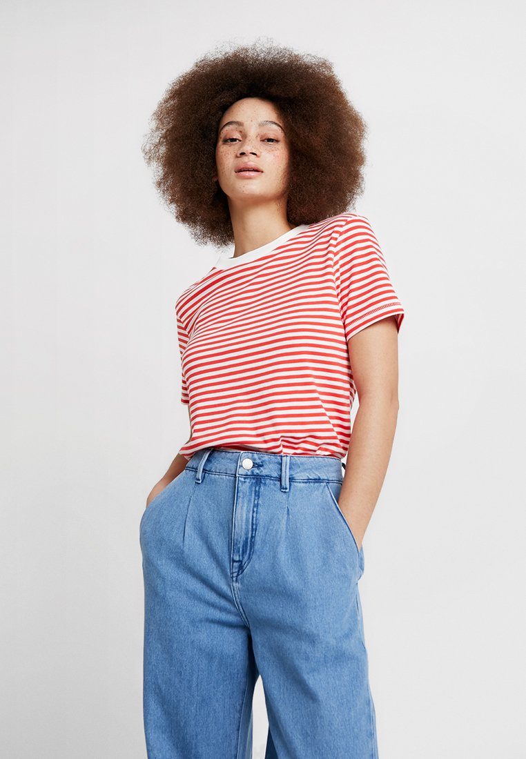 Selected Femme - SFMY PERFECT TEE BOX CUT - T-Shirt print - poppy red/snow white