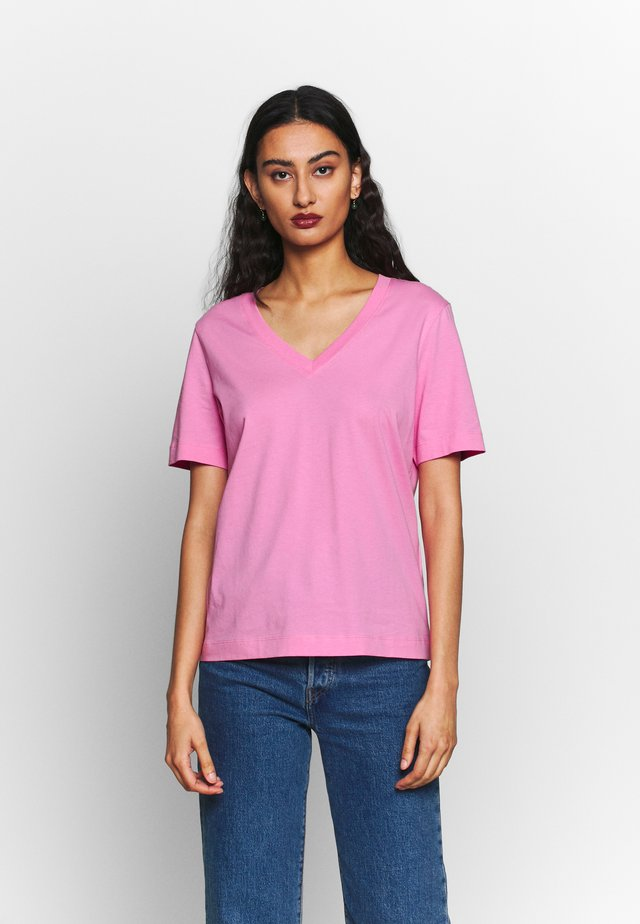 SLFSTANDARD V-NECK TEE SEASONAL - Basic T-shirt - rosebloom