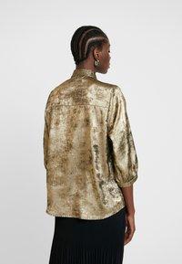 Selected Femme - SLFAURELIA 3/4 NECK TIE - Blouse - gold colour - 2