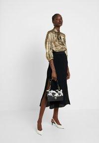 Selected Femme - SLFAURELIA 3/4 NECK TIE - Blouse - gold colour - 1