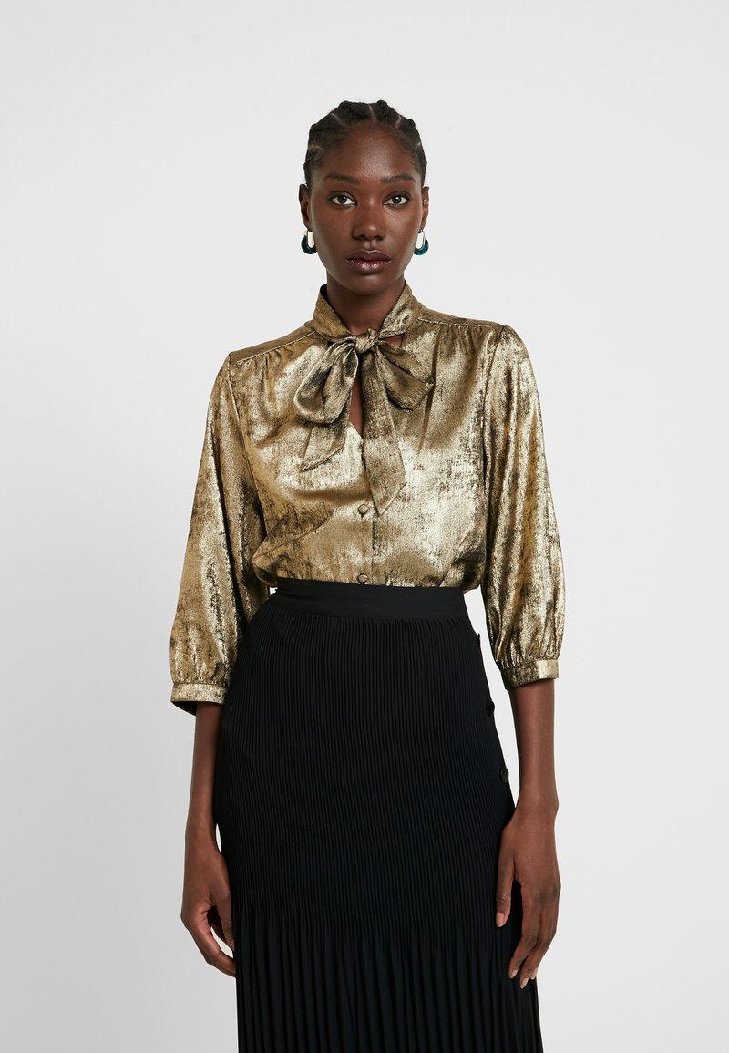 Selected Femme - SLFAURELIA 3/4 NECK TIE - Blouse - gold colour