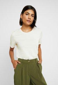Selected Femme - SLFELLA TEE - T-Shirt basic - birch - 0