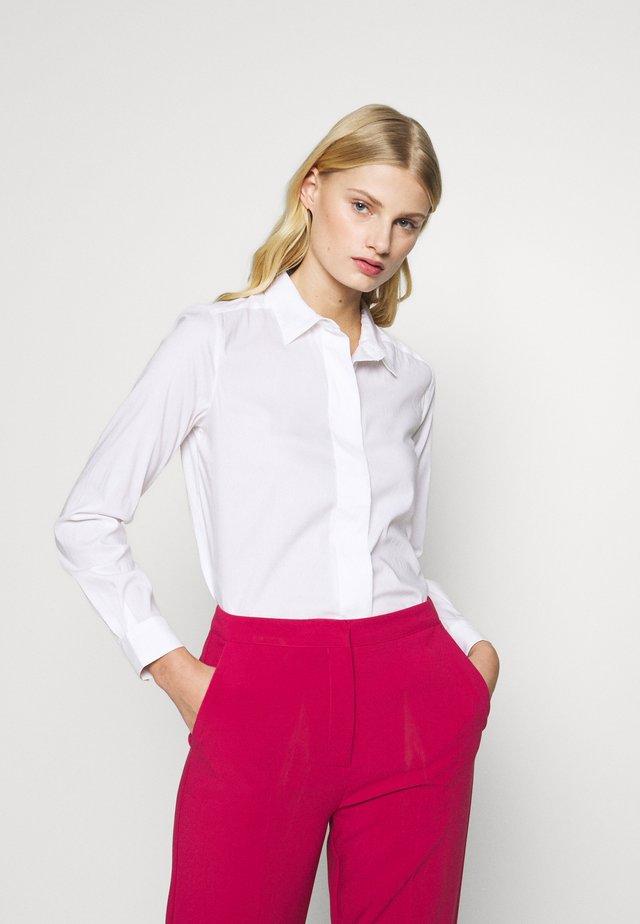 SLFAGNES ODETTE LS SHIRT  - Button-down blouse - snow white