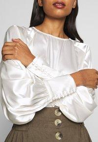 Selected Femme - SLFAVIAJA - Bluse - snow white - 5