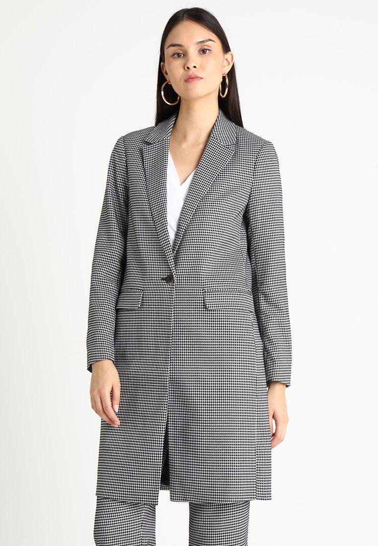 Selected Femme - SLFHOLLA - Cappotto corto - black/white