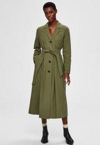 Selected Femme - Trenchcoat - four leaf clover - 0