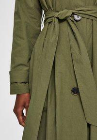 Selected Femme - Trenchcoat - four leaf clover - 4