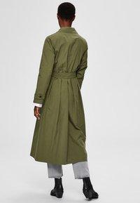 Selected Femme - Trenchcoat - four leaf clover - 2