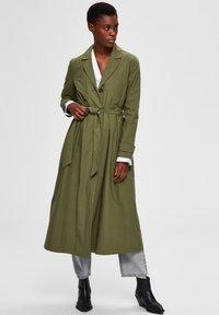 Selected Femme - Trenchcoat - four leaf clover - 1