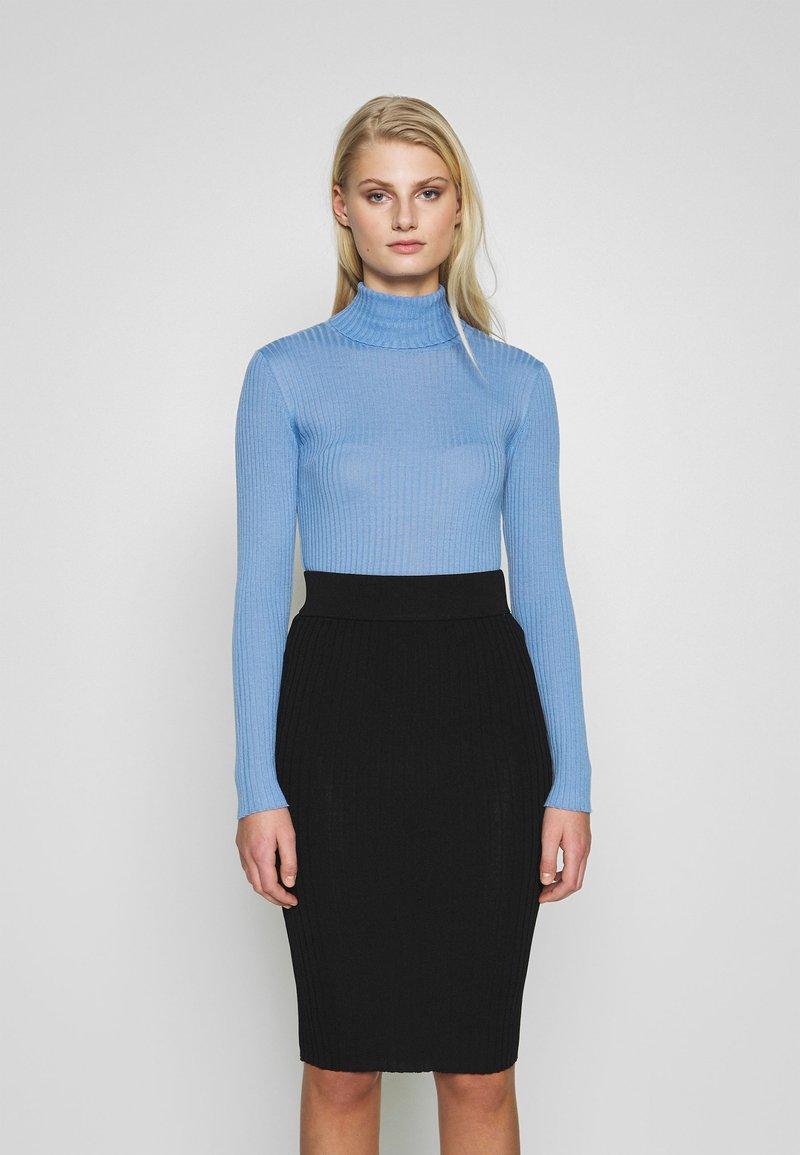 Selected Femme - SLFCOSTA ROLLNECK - Jersey de punto - della robbia blue