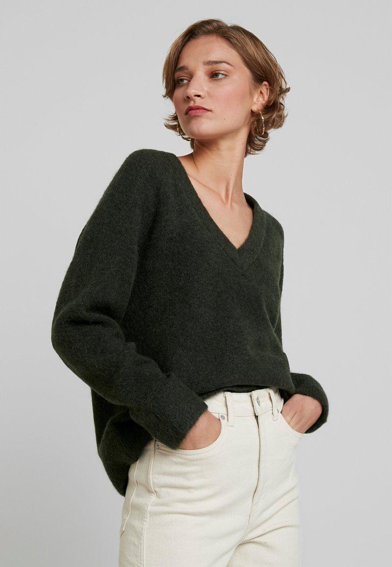 Selected Femme - SLFLANNA VNECK - Svetr - rosin