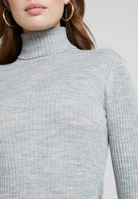 Selected Femme - Jersey de punto - light grey melange - 5
