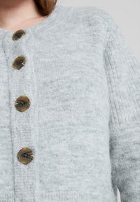 Selected Femme - SLFSIA - Chaqueta de punto - light grey melange - 5
