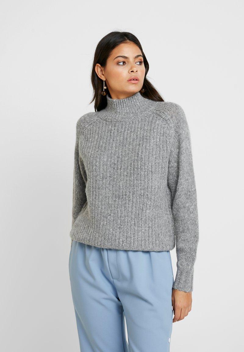 Selected Femme - SLFCHANELLA HIGHNECK - Strickpullover - medium grey melange