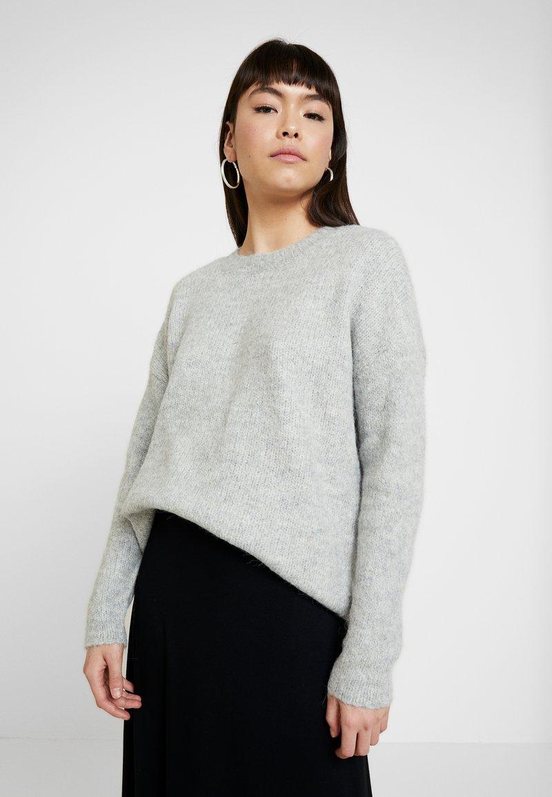 Selected Femme - SLFUMA O NECK  - Stickad tröja - light grey melange