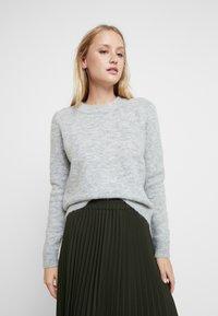 Selected Femme - SLFSIA O NECK - Svetr - light grey melange - 0