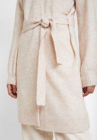 Selected Femme - SLFANNA X-MAS CARDIGAN - Vest - sandshell - 4