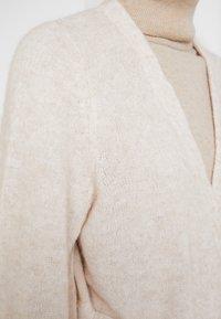Selected Femme - SLFANNA X-MAS CARDIGAN - Vest - sandshell - 6