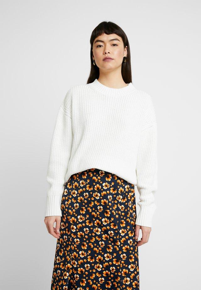 SLFBAILEY SLIT - Stickad tröja - snow white
