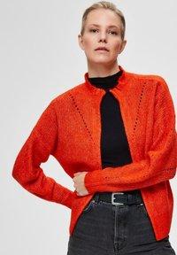 Selected Femme - PETITE - Kardigan - orange - 3