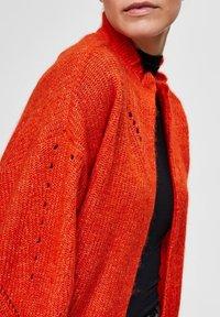 Selected Femme - PETITE - Kardigan - orange - 4