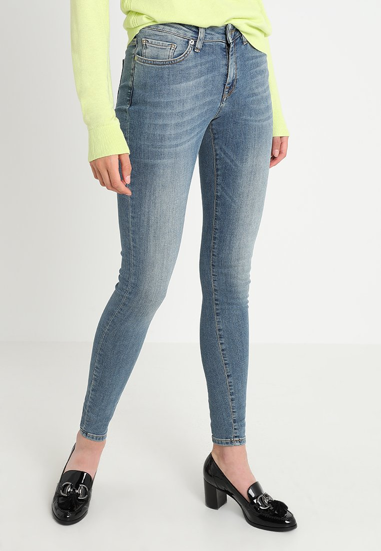 Selected Femme - SLFIDA MID - Jeans Skinny Fit - medium blue denim