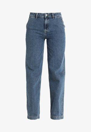 SLFMARY WIDE BELLE - Flared Jeans - medium blue denim