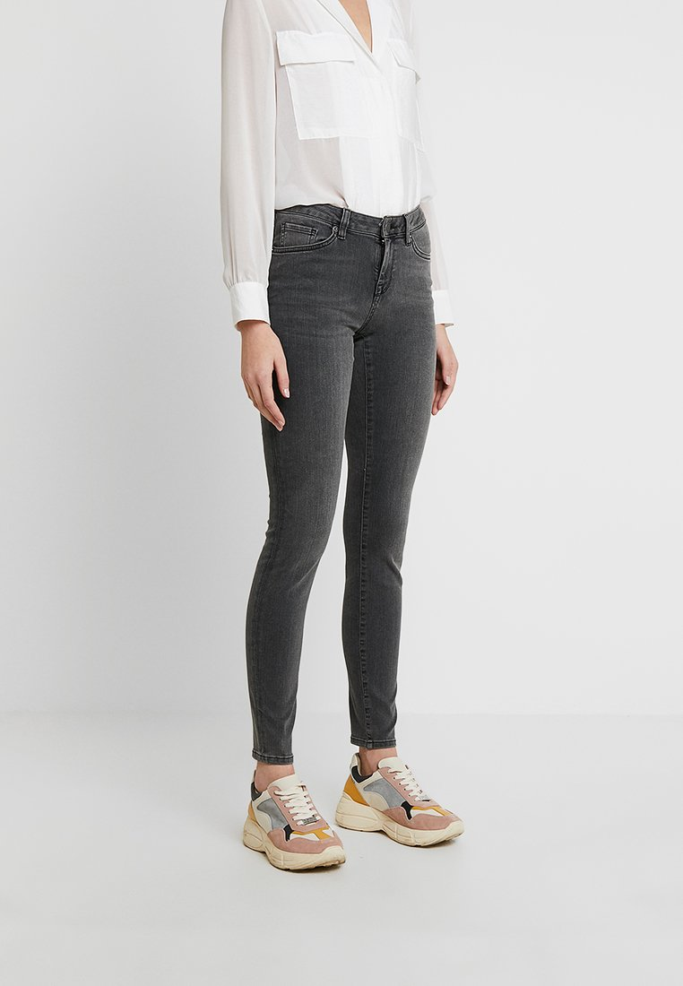Selected Femme - SLFIDA SMOKE - Jeans Skinny Fit - black denim