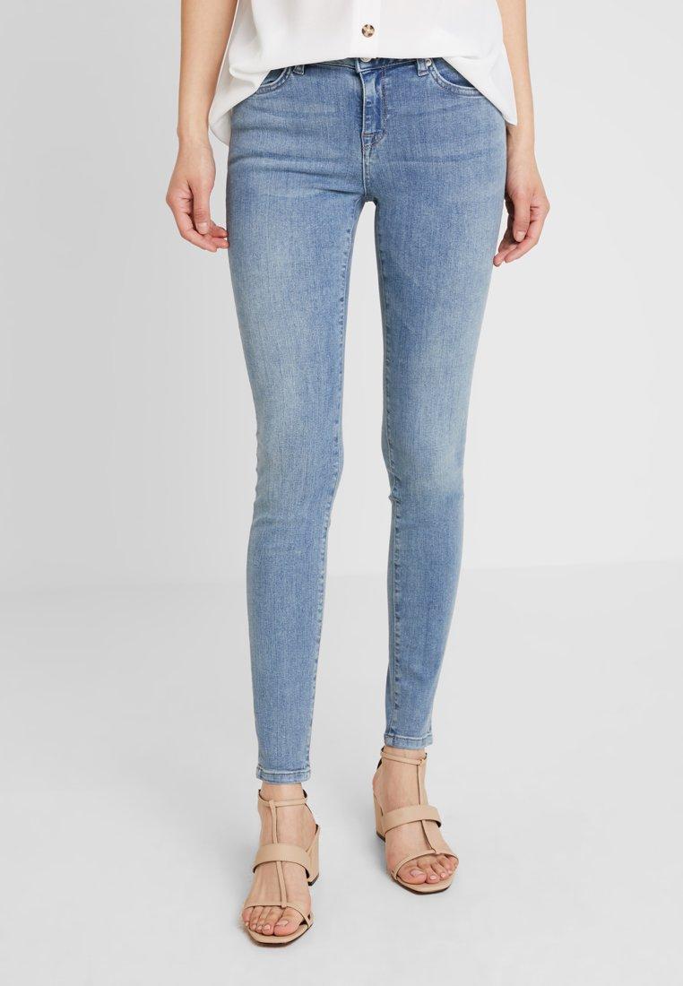 Selected Femme - SLFIDA CASTY - Skinny džíny - light blue
