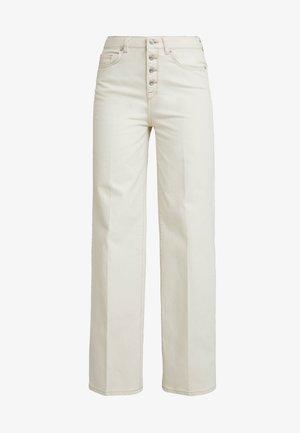 SLFLISE WIDE WESTERN - Flared Jeans - white denim
