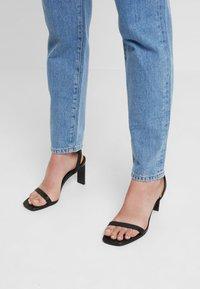 Selected Femme - SLFLOU DAWN - Jeans slim fit - dark blue denim - 4