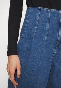 Selected Femme - JAMIE - Široké džíny - medium blue denim - 3