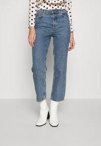 Selected Femme - SLFKATE RAIL - Straight leg jeans - medium blue denim - 0