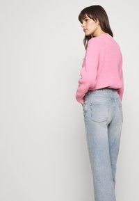 Selected Femme - SLFGENE WIDE CROP BAIR - Džíny Relaxed Fit - light blue denim - 3