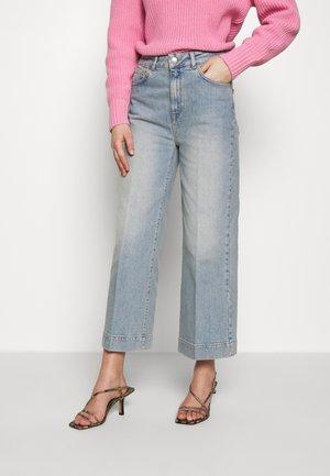 SLFGENE WIDE CROP BAIR - Jeans Relaxed Fit - light blue denim