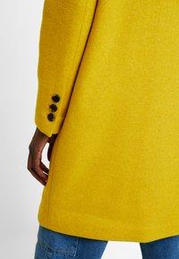 Selected Femme - SFSASJA COAT CAMP - Krátký kabát - lemon curry - 5